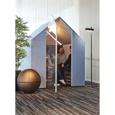 Image pour The Hut with Door