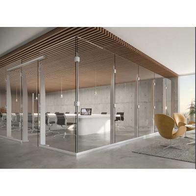 kuva kohteelle Klarity Freestanding Post & Glass Partition